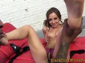 Hottie gets toes cumshot by schlong
