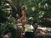Mom seduces teen and girl flashing webcam Raylin Ann is a sexy,