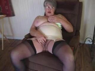 Thick Woman Whores Out Her Armpits & Twat