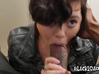 Cute short haired amateur porn star sucks and rides like a real star