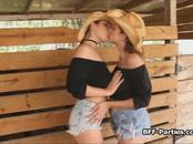 Ranch girls amateur threesome