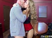 Nicole Aniston blowjobs Johnny Sins big throbbing cock