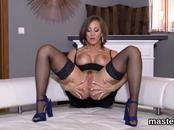 Wicked czech chick gapes her yummy muff to the extreme