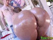 Round ass teen sucks dick
