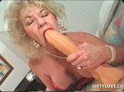 Dirty mature loves using large sex toys
