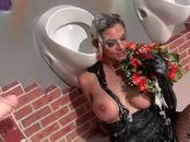 Elegant Klarisa Masturbates Pussy While Creamed