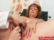 Naughty Mom Spreads Cooter  With The Bizarre Spreader Tool For Her Doctor