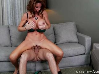 Busty MILF Deauxma does what she knows best