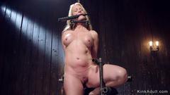 Simone Lahbib Nude