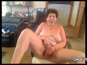 Horny granny masturbates with advantage of dildo